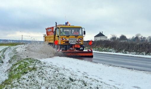 Service routier hivernal : les agents du Département prêts à intervenir contre neige et verglas